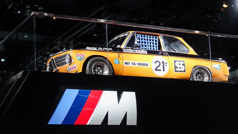 A BMW-stand legérdekesebb autója egy 02-es Alpina volt. Persze csak BMW-meghívottakat engedtek fel megtapogatni