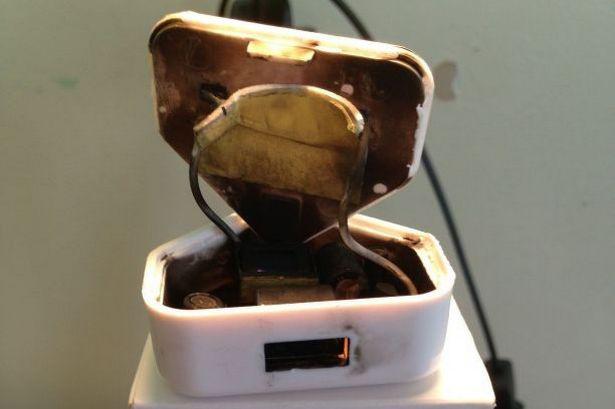 Egy hamisított és kiégett Apple-töltő