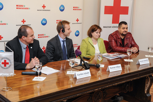 Vöröskereszt-P&G-SPAR  (7)