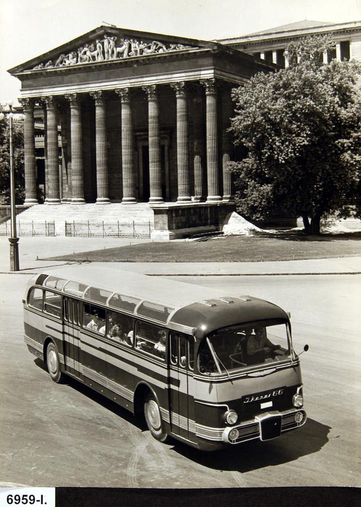 Az Ikarus 66 legelső változata, az A58-as prototípus