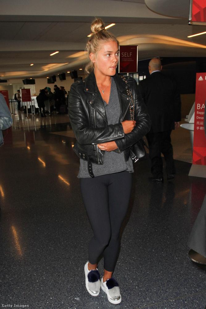 Ez persze nem véletlen, hisz DiCaprio talán még soha nem randizott olyan nővel, aki nem modell.Agdalt egyébként a Los Angeles-i reptéren sikerült lefotózni, méghozzá smink nélkül.