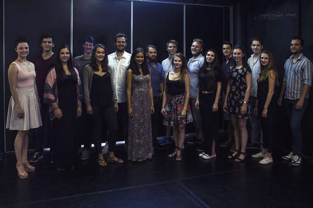 SZFE harmadéves zenés színész szakos hallgatói
