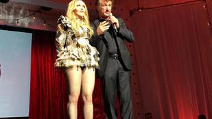 A pillanat, amikor Sean Penn megbilincselte Madonnát