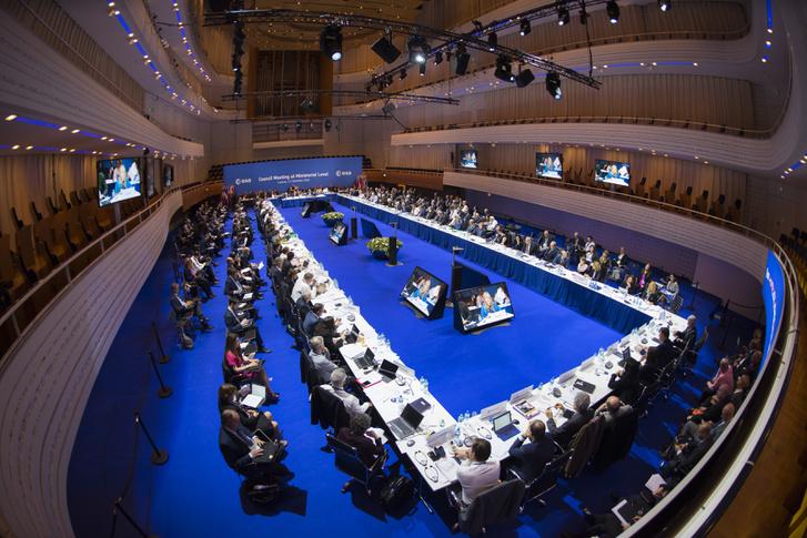 Az ESA közgyűlése, Luzernben