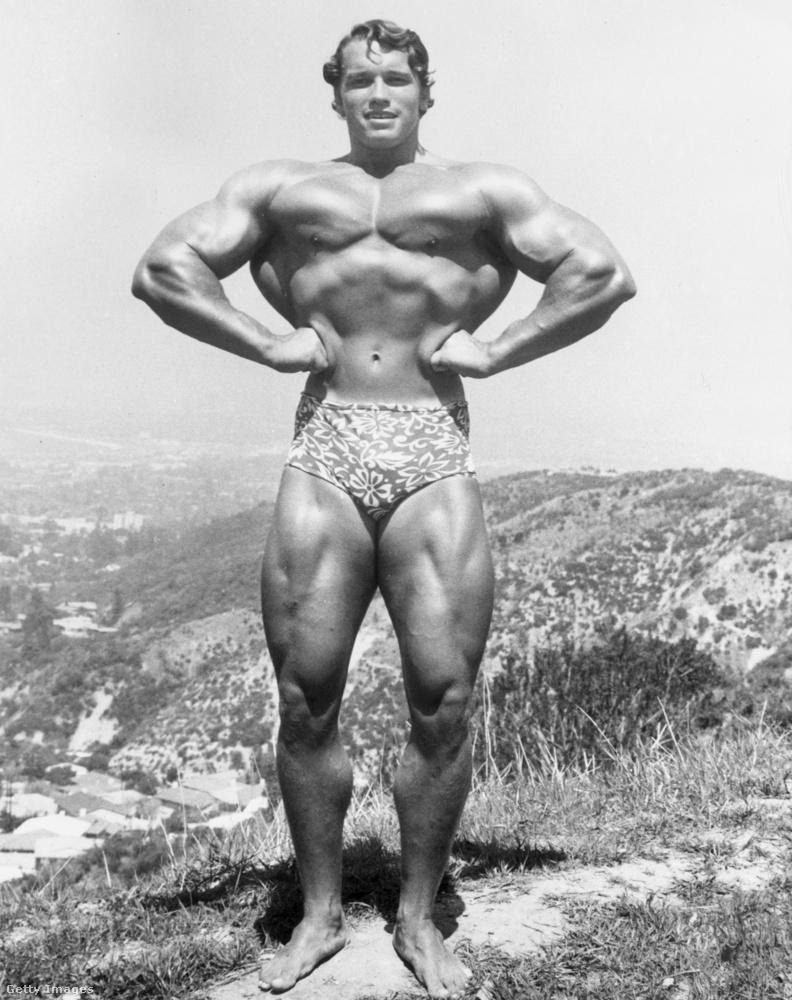 Ezzel a klasszikus képpel búcsúzunk tőle: 1966-ban, miután elnyerte a Mr Olympia címet