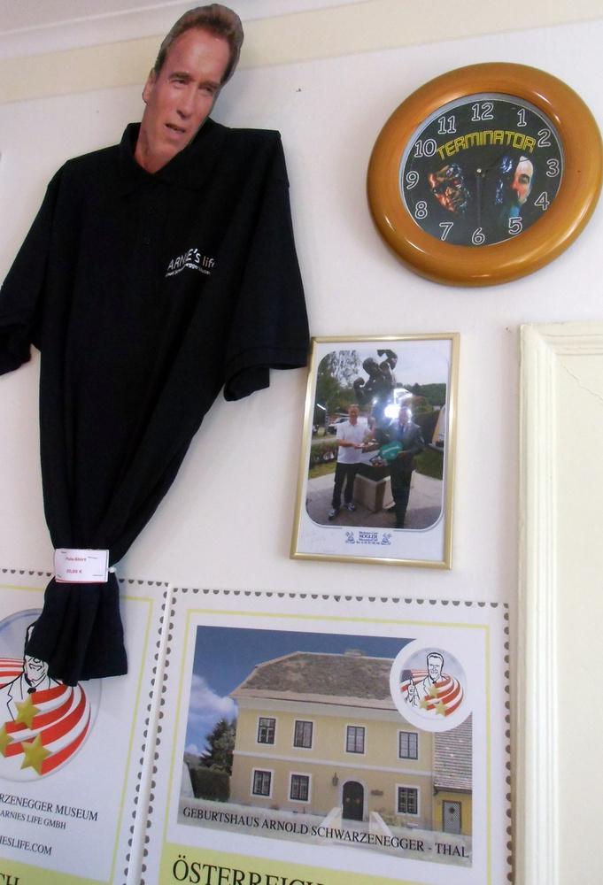 Személyes kedvencünk a múzeumban a szuvenír bolt, ahol kapható terminátoros óra, múzeumos naptár és póló is