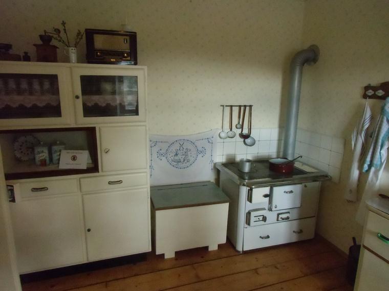 A ház felszerelése nagyon szerény volt, sem víz, sem áram nem volt benne