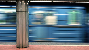 Budapest reggel: a legidegesítőbb utasok a BKV járatain harcolnak