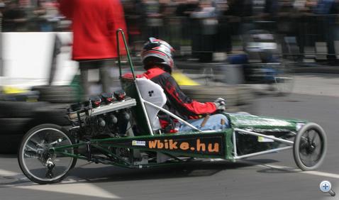 A kis sebesség miatt az aerodinamika itt még nem sokat számít