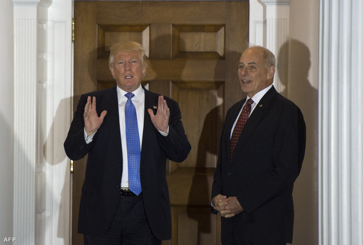 Donald Trump és John Kelly a Trump National Golf Clubban