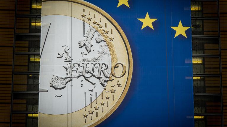 Az euró kihozta a politkusainkból a normálisat