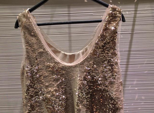 Zara: mindenféle flitteres miniruha, 14.995 forint.