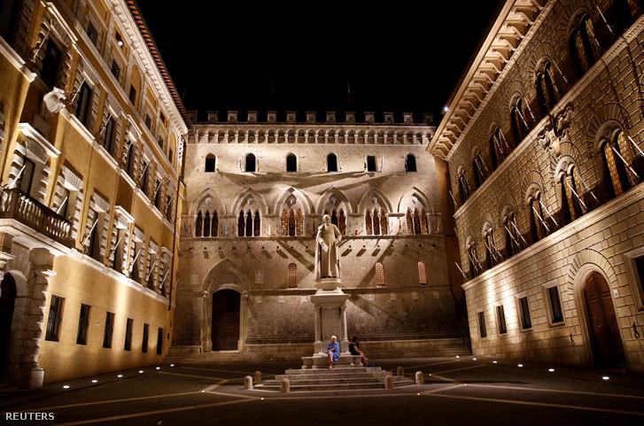 A Banca Monte dei Paschi di Siena épülete Sienában