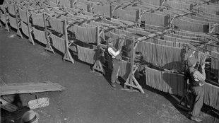 Strandon szárított olasz tészták a század elején