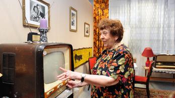 Meghalt az ismert rádiós bemondó, P. Debrenti Piroska
