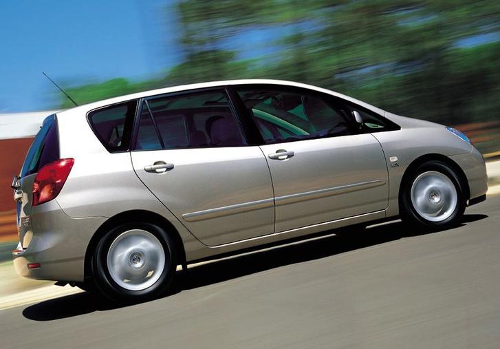 auto/TOYOTA/COROLLA VERSO 2002-/XLARGE/02rs