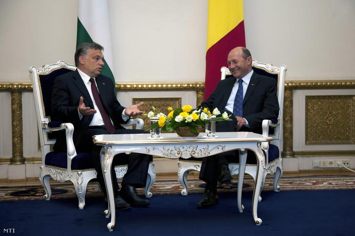 Orbán Viktor és Traian Basescu Bukarestben, 2012-ben.
