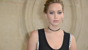 Jennifer Lawrence elnézést kért a szikla-összefenekezés után