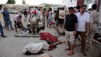 Legalább 50 ember robbant fel a fizetésére várva Jemenben
