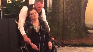Halálos beteg édesanyjával még egy utolsót táncolt az esküvőn