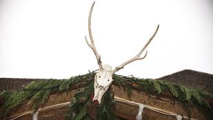 Szürreális képek a karácsonyra készülő Budapestről