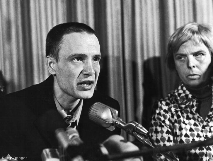 Vlagyimir Bukovszkij sajtótájékoztatója Zürichben 1976. december 22-én