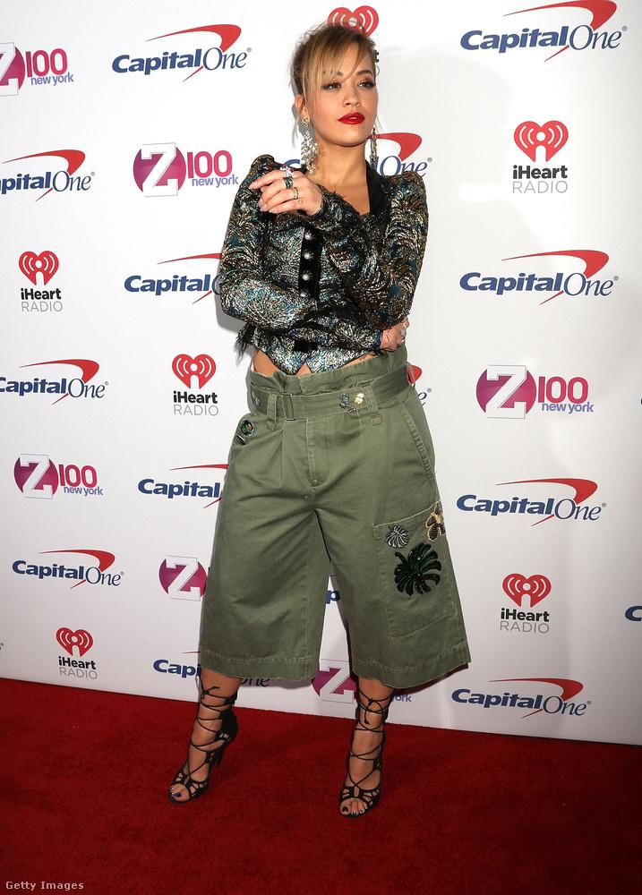 Rita Ora másodszor a Jingle Ball nevű eseményen lepett meg minket