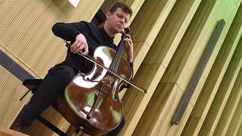 Új hangszert kapott Várdai István