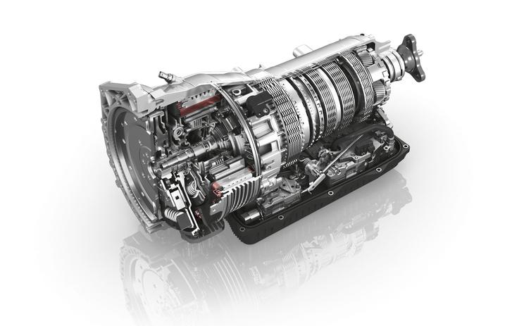 Egy plug-in hibrid erőátvitele: a hidrodinamikus nyomatékváltó helyén villanymotor van (ZF)
