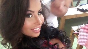 Hírek lekváros bukta mellé: VV Dóri Mexikóban lett Playboy-nyuszi