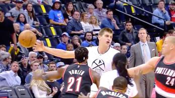 Nem várt helyről jött a nap passza az NBA-ben