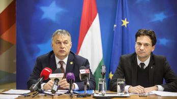Orbán személyesen beszélgetett el a tájékoztatójáról kizárt Népszabadság-tudósítóval