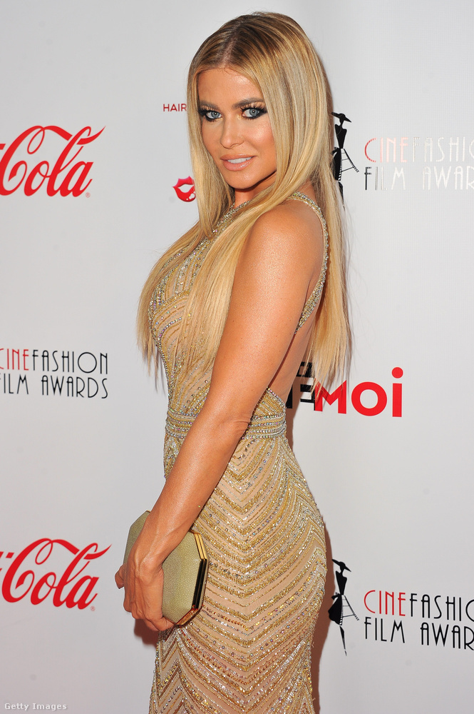 De még így is meglepődtünk, hogy a Cinefashion Film Awards nevű Los Angeles-i eseményen még ő volt az egyik legvisszafogottabban öltözött, és egyben az egyik leghíresebb személy