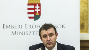 Az oktatási államtitkár Brüsszelbe utazik CEU-ügyben