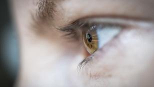 Teszt: mit tudnak a szempilla-hosszabbító szérumok?