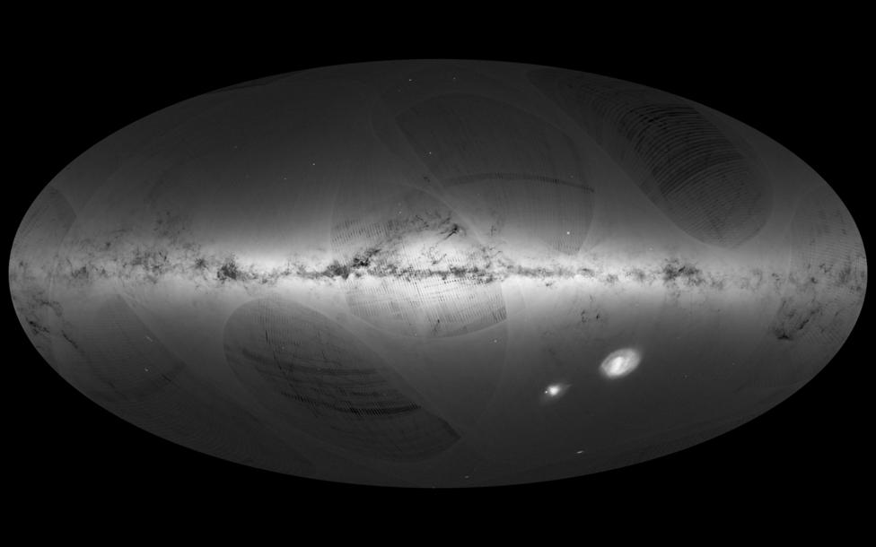 Szeptember 14. Elkészült az ESA Tejúttérképe. A Gaia műhold 2014 júliusától, 2015 szeptemberéig pásztázta galaxisunkat és közvetlen szomszédait, ezen időszak adataiból állt össze ez a látványos csillagtérkép.