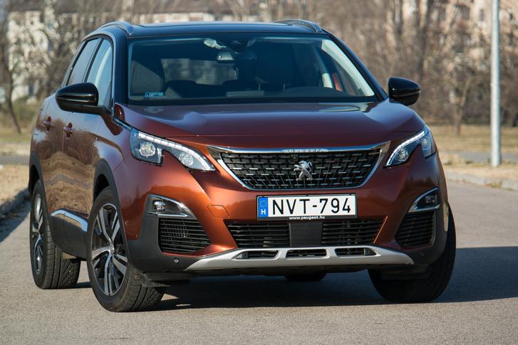 Végre a Peugeot előállt egy rendes méretű SUV-val