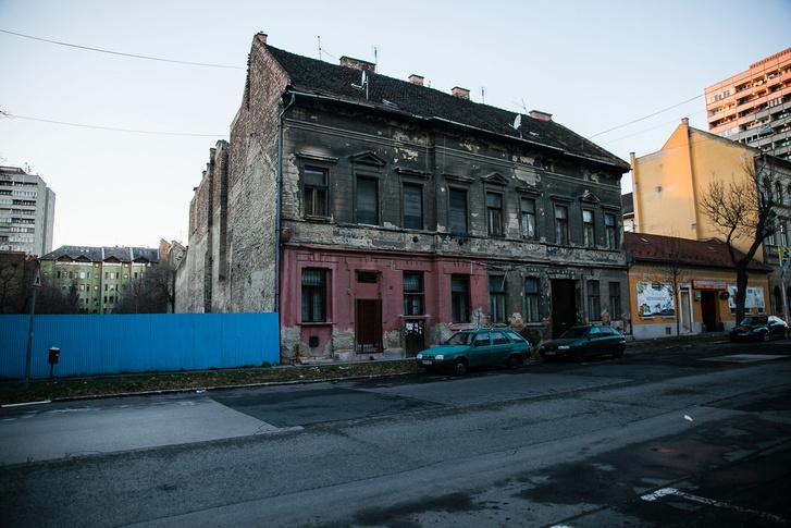 Eladásra kijelölt ház az Illés utcában
