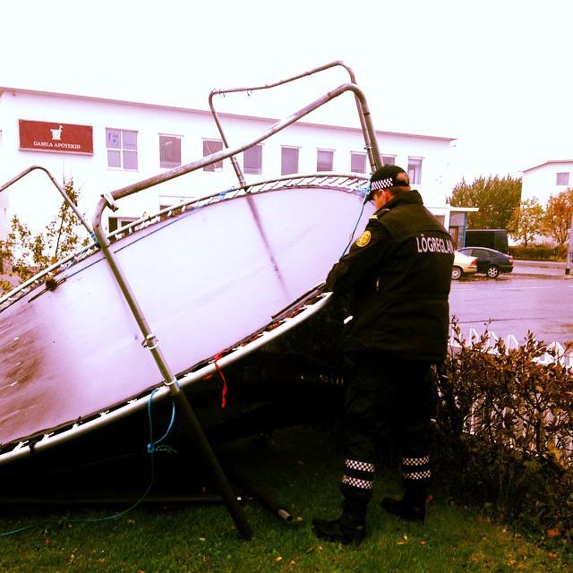 FÍontos járőri feladatnak tűnik a trambulinok ellenőrzése is