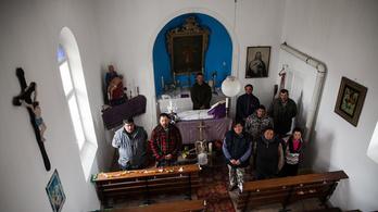 A segélyükből újították fel a kápolnát a barátihegyi romák