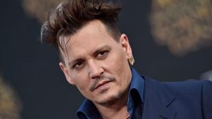 Minden jel azt mutatja, hogy Johnny Depp jobban van