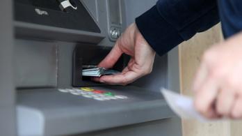 Tényleg kifosztanak minket a bankok