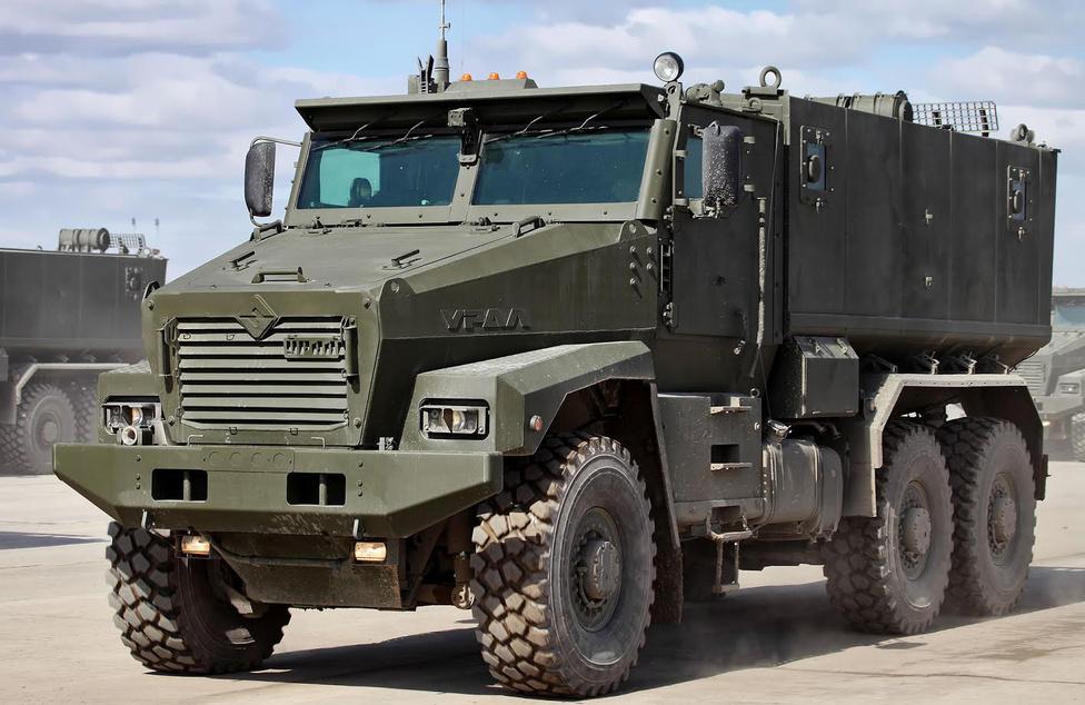 Az orosz állam, de főként a hadsereg, továbbra is az egyik legnagyobb megrendelője az Uralnak, ezért kézenfekvő volt, hogy előbb-utóbb ők is előrukkolnak egy páncélozott teherautóval, azaz MRAP-pal. Ez lett a 2014-ben bemutatott Ural Typhoon.