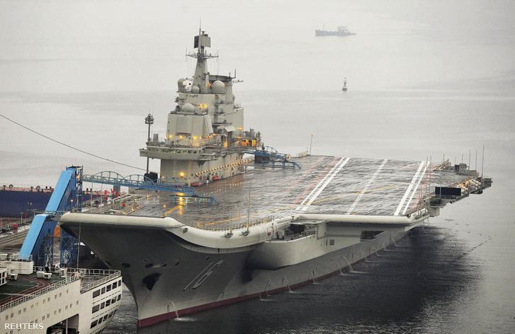 A Liaoning repülőgéphordozó hajó