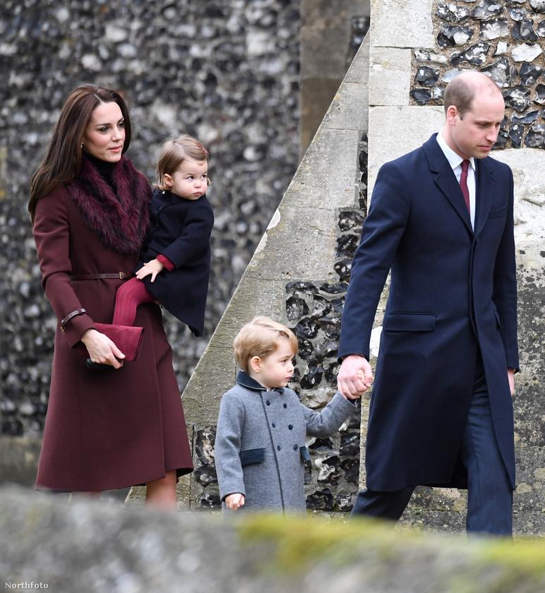 A két ünnep között kikerült pár kép a királyi családról, így megtudhatjuk, hogy náluk miként telt a karácsony.