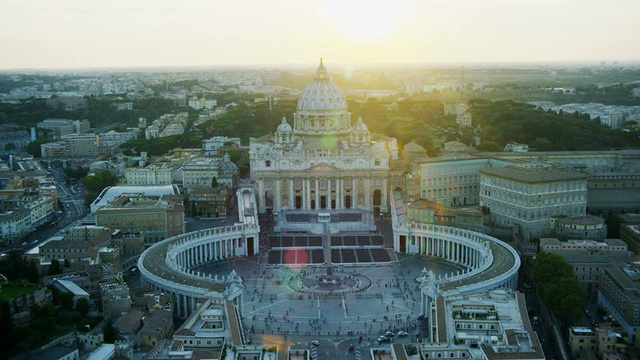 Csodálatos képek és történetek a Szent Péter bazilikáról.