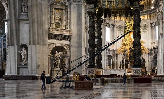 Különleges helyszíneket mutatnak be a filmkészítők.
