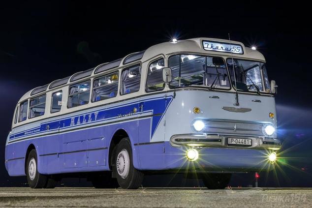 Ikarus 55 - Az eredeti Malév faros autóbuszokat 1960-ban gyártották, egyetlen példány sem maradt belőlük. Az eseményen látható járművet 1969-ben gyártották az NDK számára, a BKV Zrt. nemrégiben a Krím-félszigetről mentette vissza