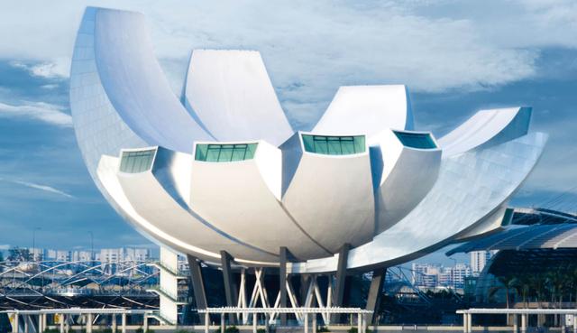 Az ArtScience Museum: ugye, hogy egyszerre hozza a lótuszvirág és a műhold formát?