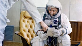 Egy szerencsésebb világban nem Neil Armstrong lett volna az első ember a Holdon